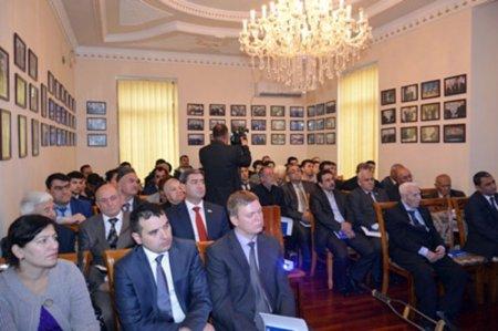 В Таджикистане представили книгу академика Рамиза Мехтиева