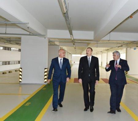 Ильхам Алиев посетил открывшийся в Баку многоэтажный паркинг