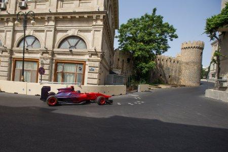 Официальный посол Гран При Европы Формулы 1 Гюльгусейн Абдуллаев, стал первым пилотом, проехавшим по всей длине новейшей городской трассы Baku City Circuit.
