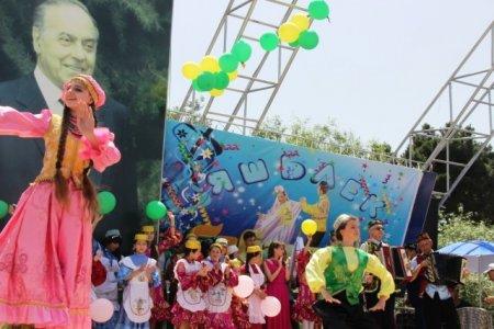 В Баку отметили национальный татарский праздник Сабантуй