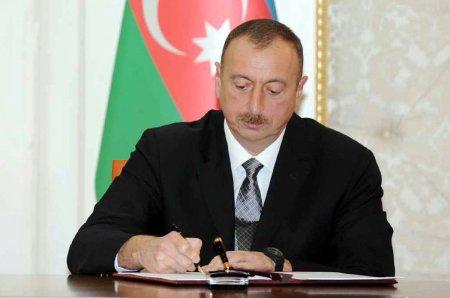 Президент Азербайджана присудил специальную стипендию группе молодых талантов