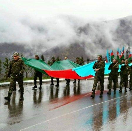 Сегодня в Азербайджане праздник. Страна отмечает День Вооруженных сил