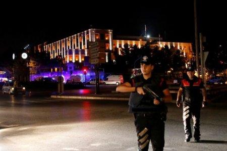 МИД: в Турции при попытке путча погибли 290 человек, 1400 ранены